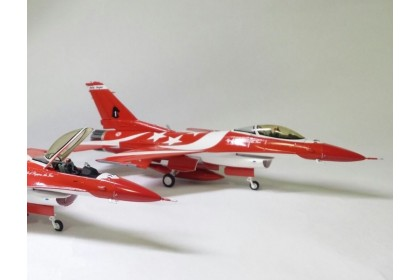 Republic of Singapore Air Force F-16C Black Knight #1 (scale 1:72) last piece