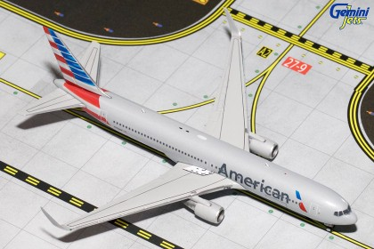 American Airlines Boeing 767-300ER (W) N393AN (1:400 scale)