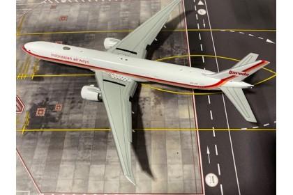 Garuda Indonesian Airways B777-300ER scale 1:400 (Flap down)