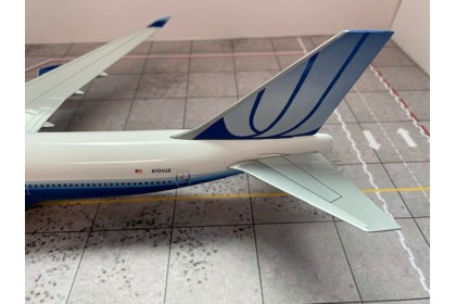 United Airlines Boeing 747-400 Reg: N104UA With Stand (scale 1:200)