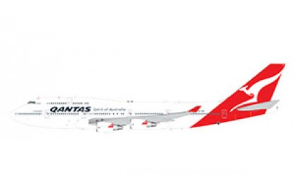 [Pre-order] Qantas Airways B747-400ER Longreach VH-OEH Hervey Bay (1:200 scale)