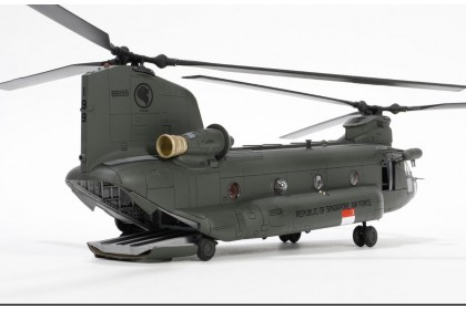 [Preorder] Limited stock RSAF Boeing Chinook CH-47SD Helicopter Scale 1:72 (ETA mid-December 2020)