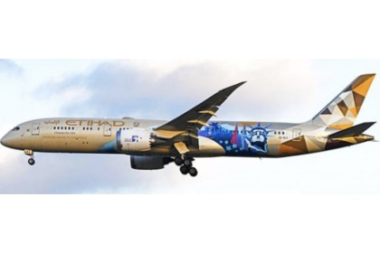"""Etihad Airways Boeing 787-9 Dreamliner """"Choose the USA Livery"""" A6-BLC (1:400 scale)"""