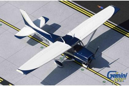 Cessna 172L Skyhawk N926MN (1:72 scale)