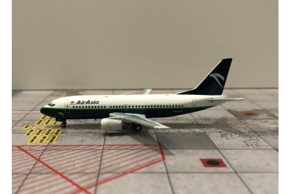 """Air Asia Boeing 737-300 9M-AAA """"old livery"""" (1:400 scale)"""