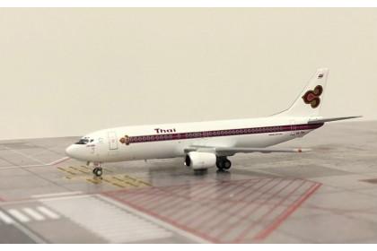 "Thai International Airways Boeing 737-400 HS-TDH ""Old Livery"" (1:400 scale)"