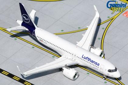 "Lufthansa Airbus 320neo D-AIJA ""new livery"" (1:400 scale)"
