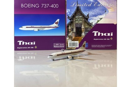 """Thai Airways Boeing 737-400 """"The King's 72nd Celebration"""" HS-TDK (1:400 scale)"""